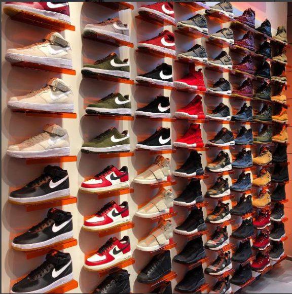 Accessoires, exklusiv, Shirt, Damen, Herren, T-Shirts, Kollektion, Kinder, Jeans, Jacke, Bekleidung, marken, limitiert, streetwear, Vielfalt, nike, adidas, vans, REEBOK, Sneaker, puma, NIKE Air Max 1, adidas ZX Flux, asics Gel-Lyte III Retro Runner, Timberland 6 Inch-Winterboots, spezielle Release, NIKE Retro Runner, Rare Asics, Air Jordan, Jordan, Black Kaviar, Criminal Damage, Urban Classics, Snapbacks, Fitted Caps, Jogger Pants, Retro Runner, NIKE Air Max Sneaker, New Era Caps, Air Jordan Basketballschuhe, asics Gel-Lyte III Sneaker, Converse