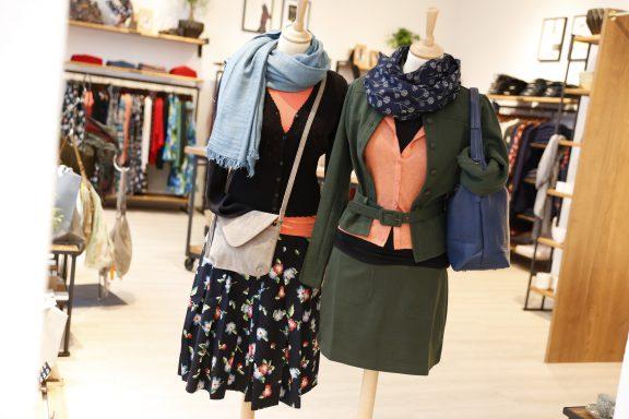 Mode, Roecke, Kleider, farbenfroh, Kleid, Rock, weiblich, verspielt, klassisch, Deko, schenken, Kaffee, Papeterie, liebevoll, cafe, süß, genießen, hausgemacht, ausgewählt, verschenken, Feminin, Bloom Side, Kiener, Schönes, Wohnartikel, zuhause, zu Hause, wohl fühlen, ist Zeit die uns etwas gibt!, Mehlspeise, Emily+Fin, Pleased to meet, Lieblingsstück, Bloomingville, King Lowie, Papierkram, Fröhlich